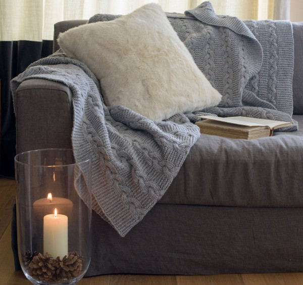 grey_knitted_throw_cp1-kelly-hoppen