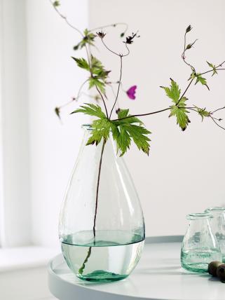 teardrop_recycled_glass_vase_h-tearvas