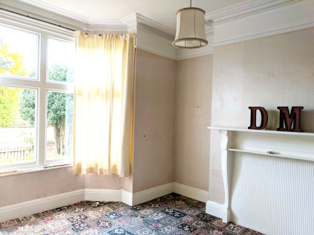 before-dated-living-room-period-features